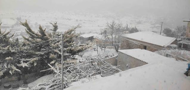 Αργολίδα: Σφοδρή χιονόπτωση και στο Αραχναίο