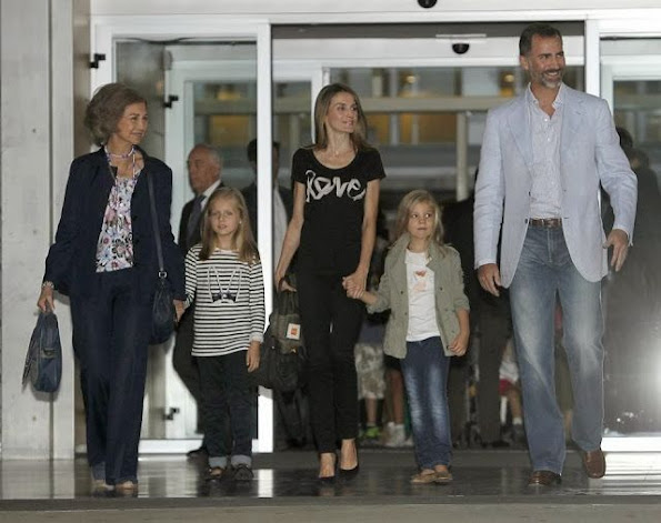 Queen Sofia, Prince Felipe and Princes Letizia visited King Juan Carlos at Quiron Hospital with  their daughters İnfanta Leonor and İnfanta Sofia