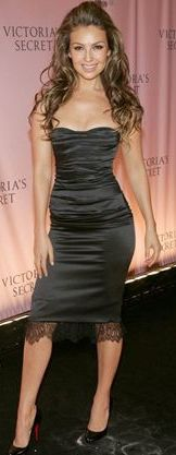 Foto de Thalia con vestido negro