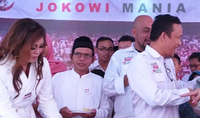 Jokowi Mania Sebut Bansos yang Dikorupsi Juliari Layak Dimakan Kucing