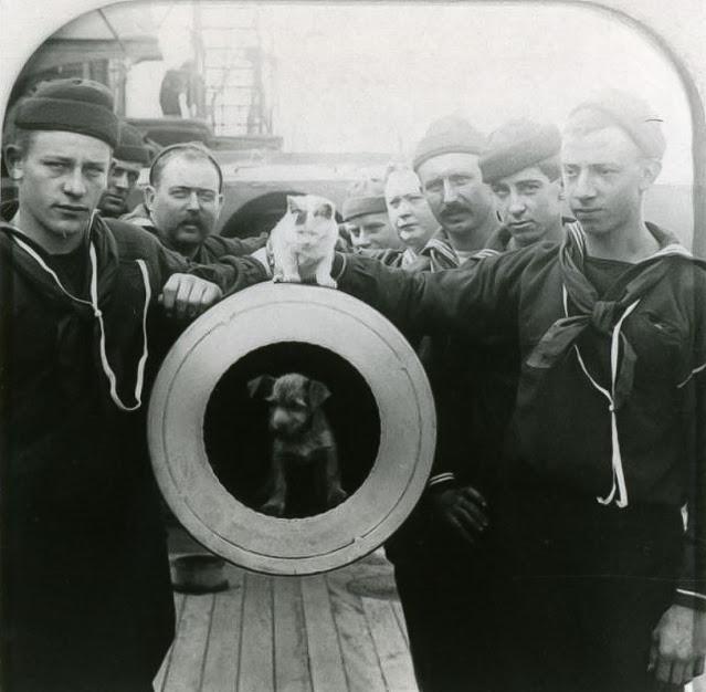 Tripulantes del USS Texas 1900