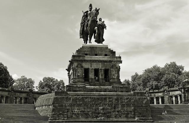 Kaiser Wilhelm Denkmal am Deutschen Eck in Koblenz