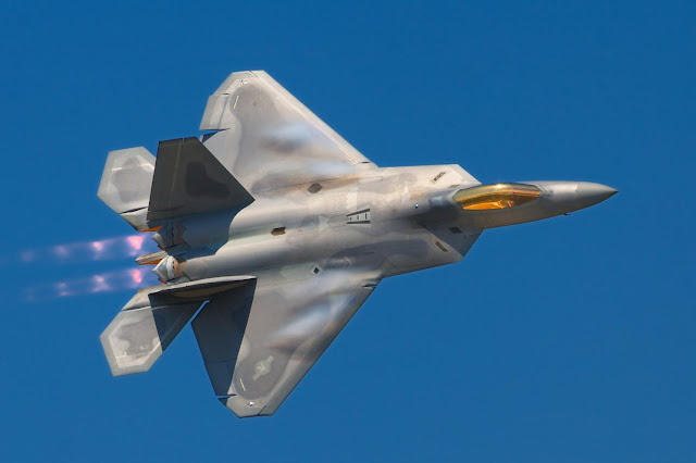 Pesawat Tempur F-22 Raptor | Nationalinterest.org