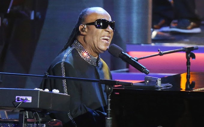 Stevie Wonder announces he will be undergoing Kidney transplant surgery during London concert