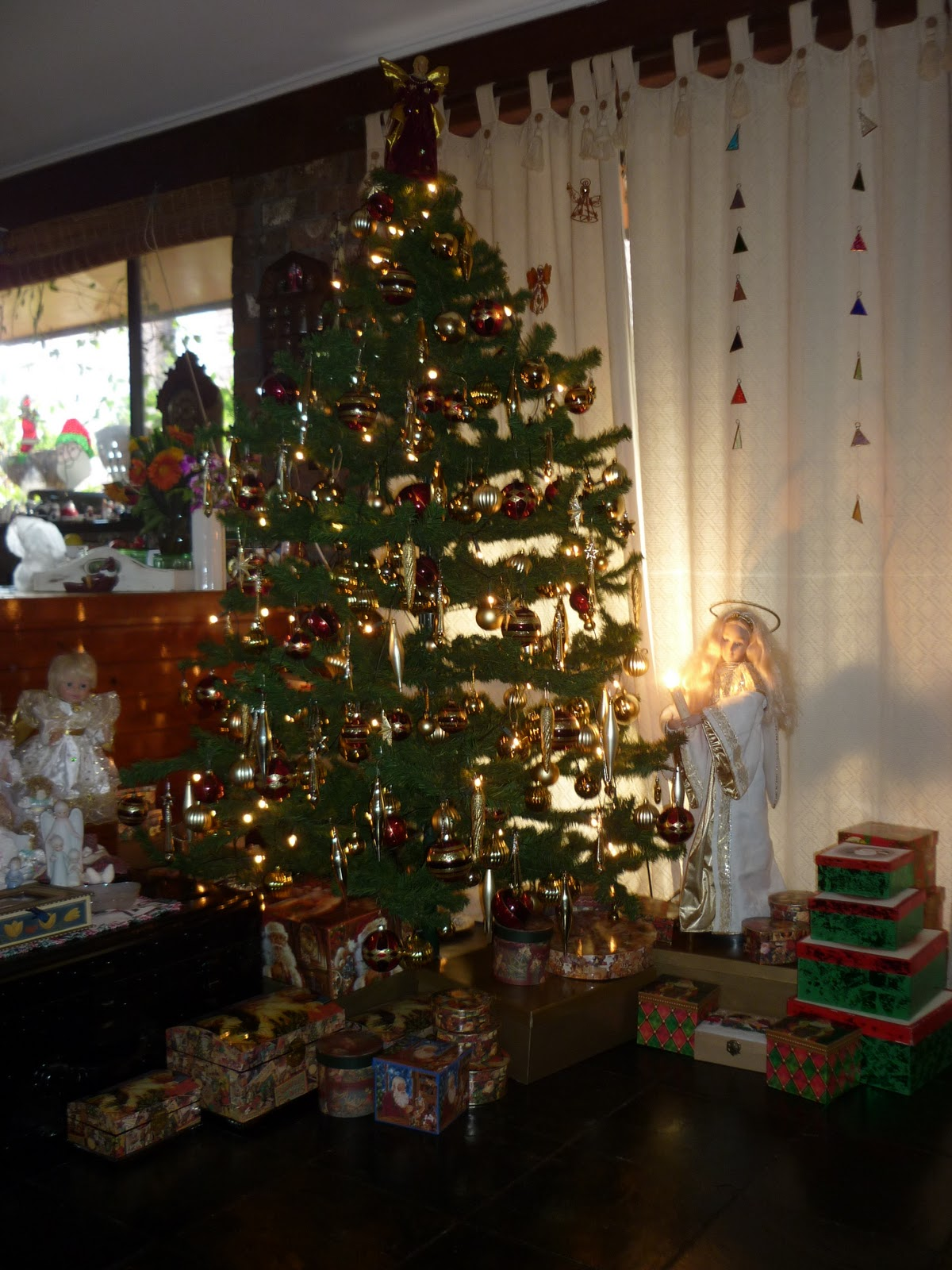 Elfin Stitches My 1970s Christmas Tree