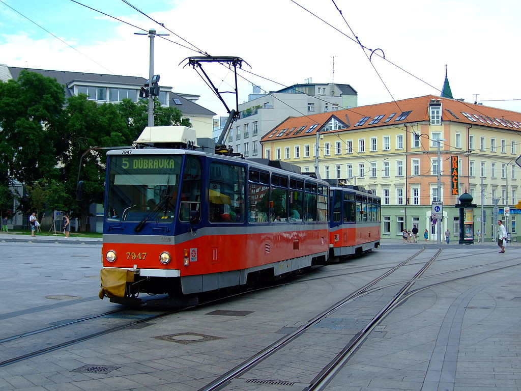 Трамвай в Братиславе в Словакии