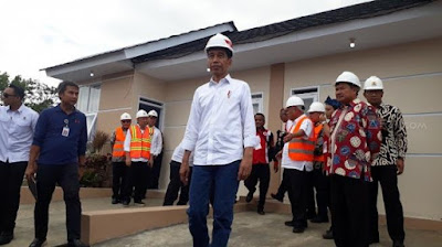 Presiden Jokowi Bangun Perumahan Khusus Tukang Cukur Di Garut