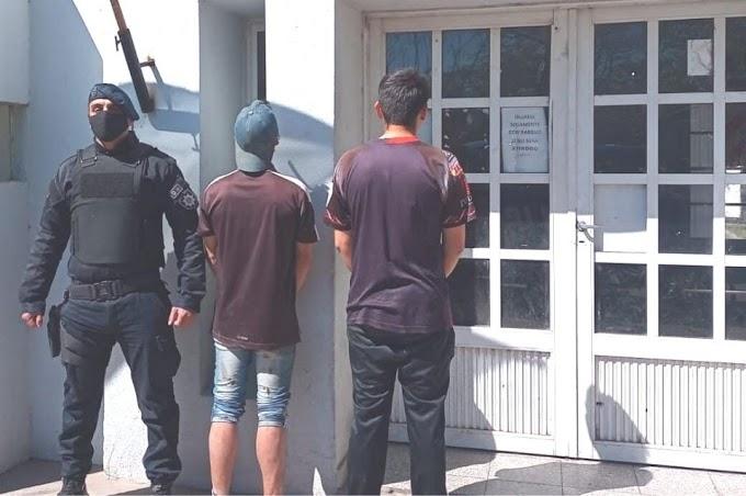 Atraparon a tres jóvenes rompiendo cámaras de seguridad