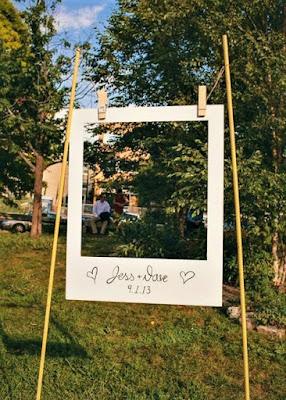 Wedding ideas-large hanging photo frame-KMich Weddings-Philadelphia