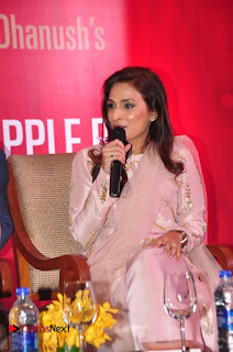 Aiswarya Rajinikanth Dhanush Standing on an Apple Box Launch Stills in Hyderabad  0005.jpg