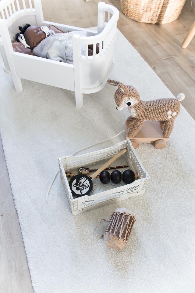 Villa H, lastenhuoneen sisustus, Aykasa laatikko, lelut, Etelä-Afrikka, soittimet