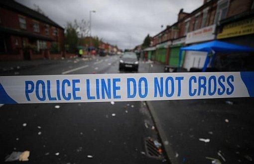 """İngiltere'de Polis'den Kadınlara """"Geceleri Yalnız Çıkmayın"""" Uyarısı"""