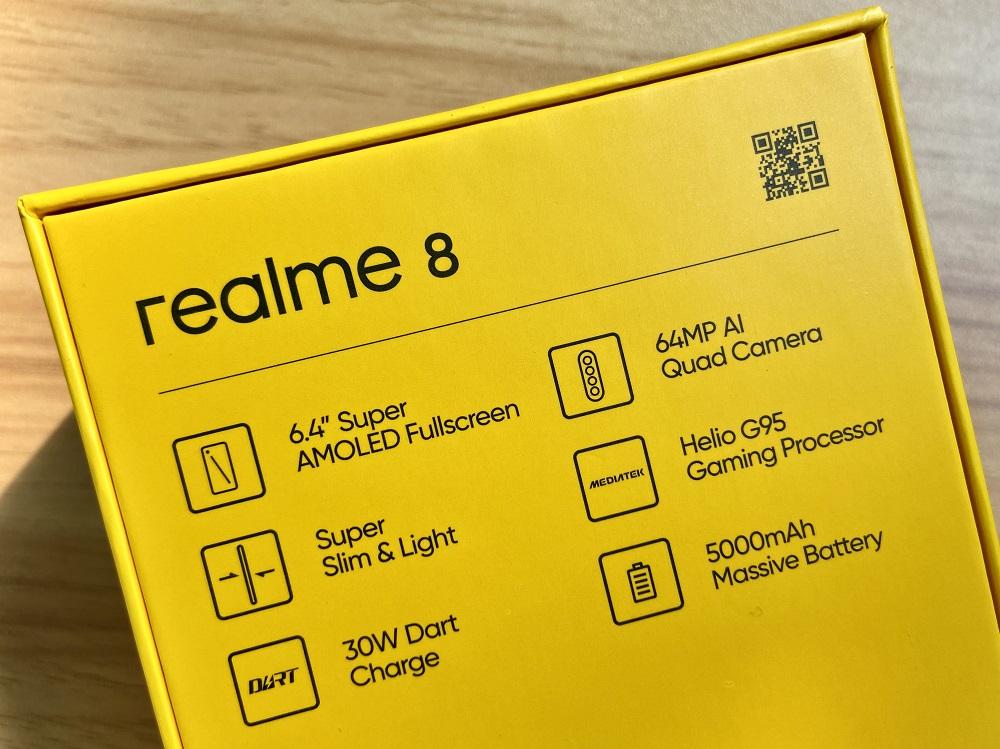 realme 8 - Box Back