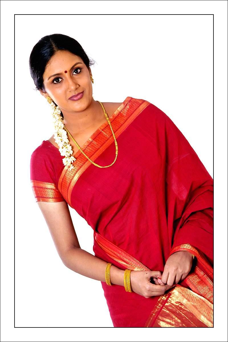 Tamil Actress Devadarshini In Saree Photos