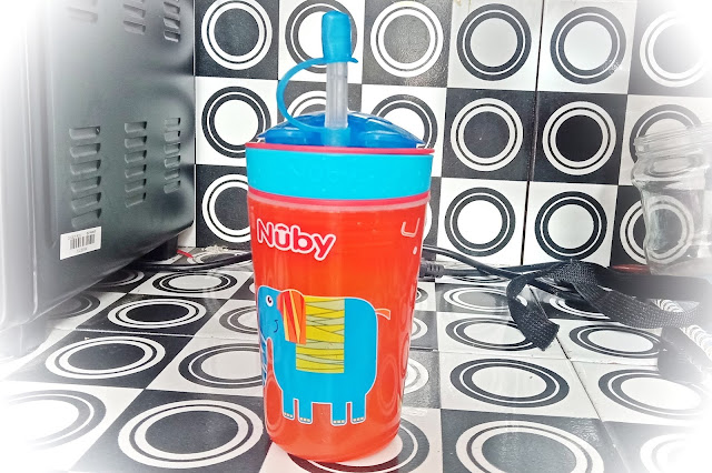 Botol Minum Nuby Snack n Sip With Straw Cover