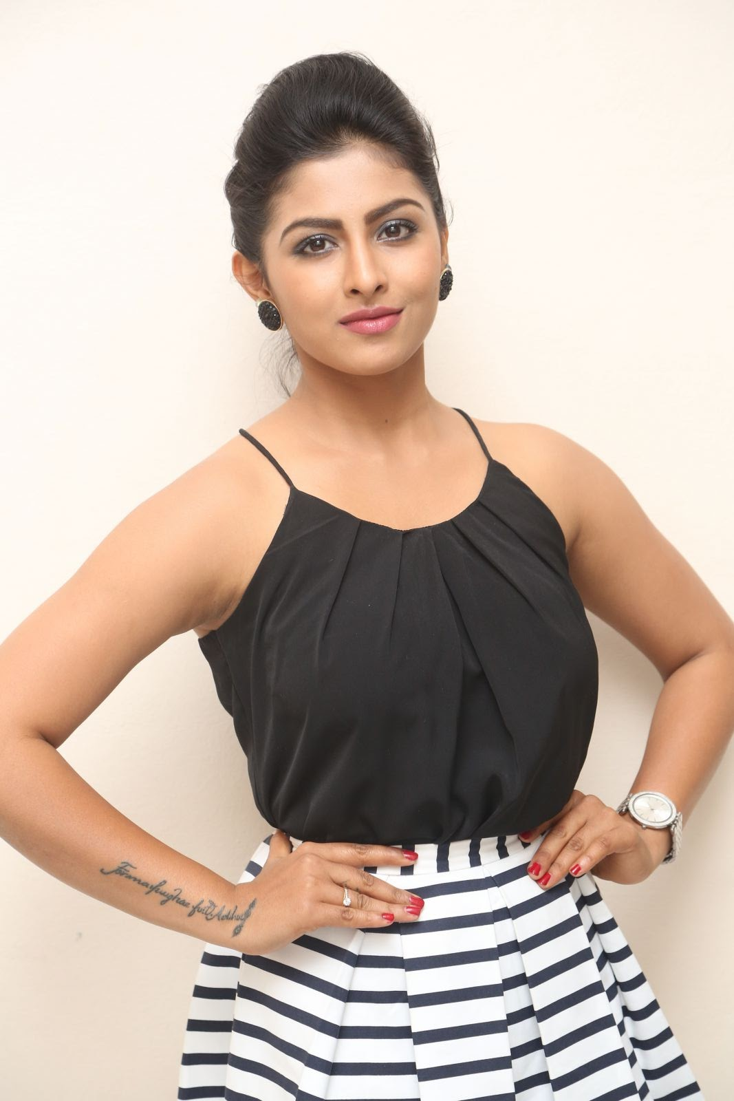 kruthika jayakumar new photos-HQ-Photo-2