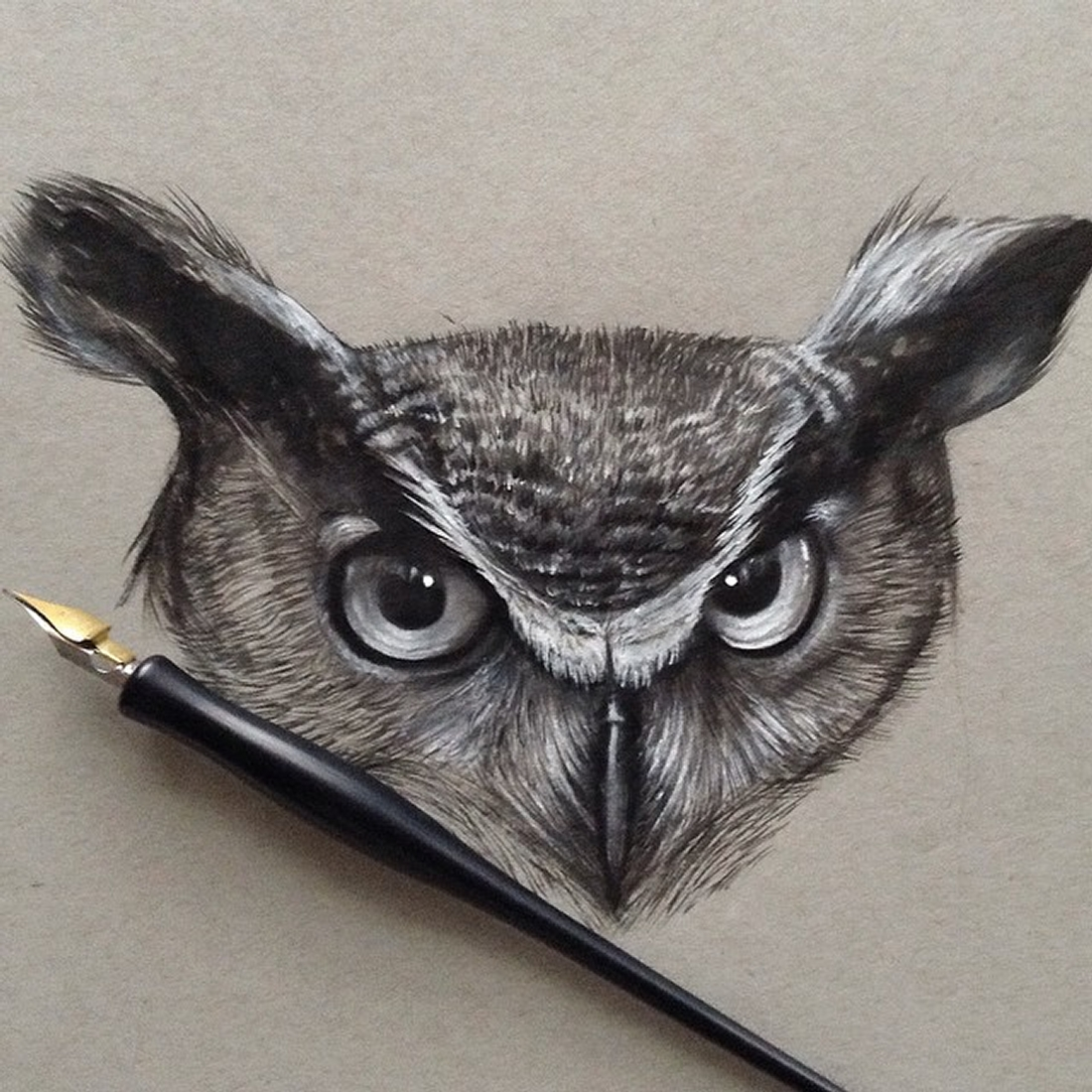 02-Horned-Owl-Jonathan-Martinez-Realistic-Pencil-Animal-Drawings-www-designstack-co