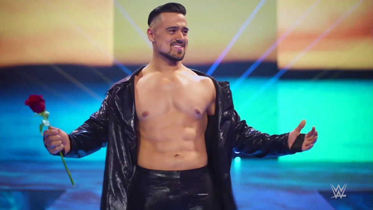 "WWE tem planos ""confusos"" para Angel Garza"