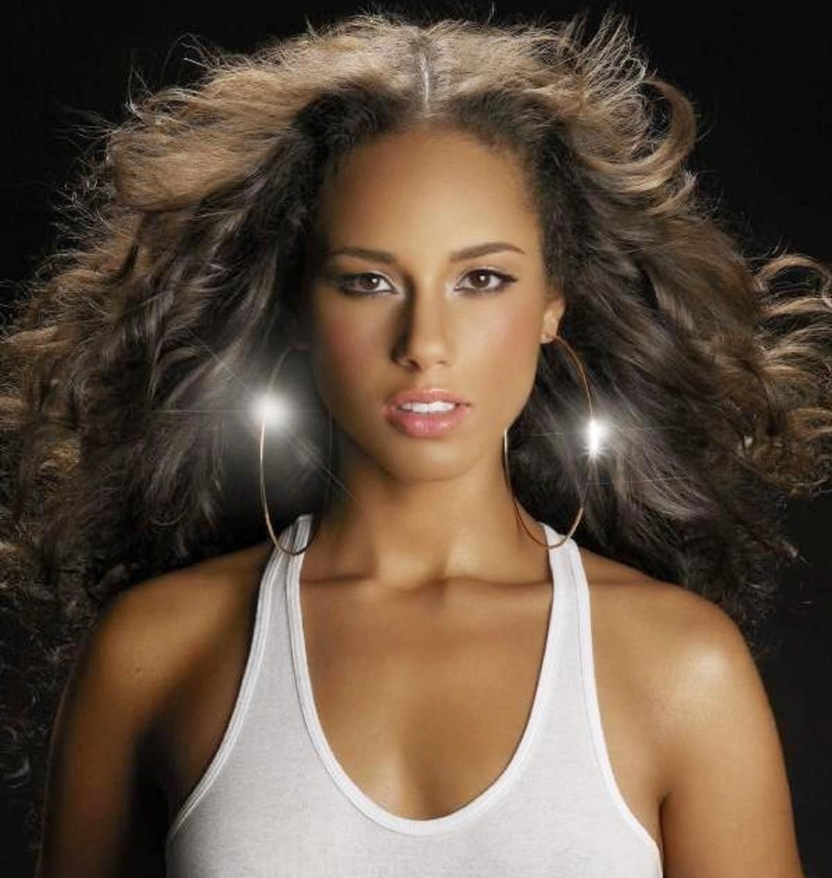 Hollywood Actress Wallpaper: Alicia Keys HD Wallpapers