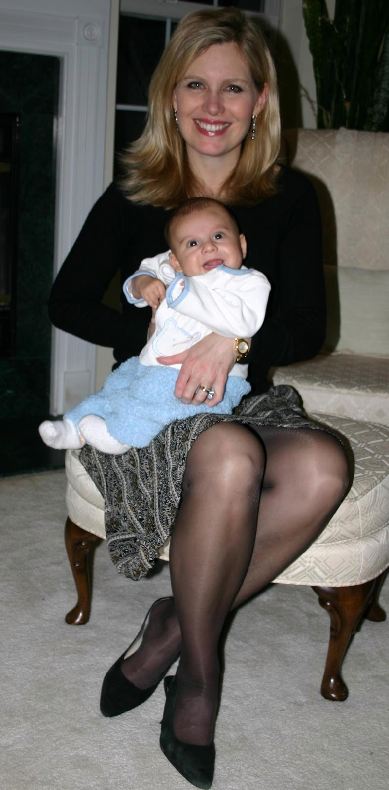 Mom in pantyhose
