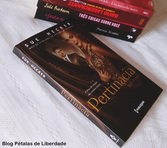 Resenha, livro, Pertinácia, Sue-Hecker, serie-mosaico, harlequin, doacao-de-medula, capa, fotos, opiniao, blog-literio, petalas-de-liberdade