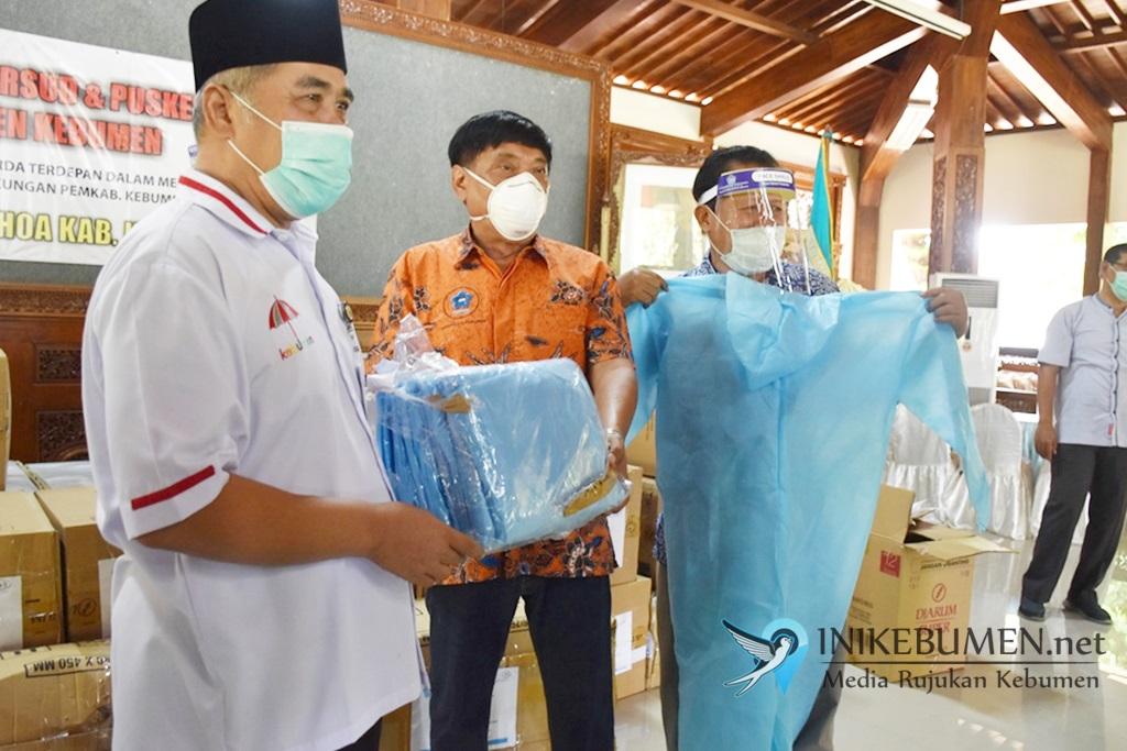 Bantu Penanganan Corona, PSMTI Kebumen Sumbang 1.000 APD untuk Tenaga Medis