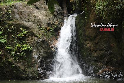Perjalanan Ke Air Terjun Batu Dinding