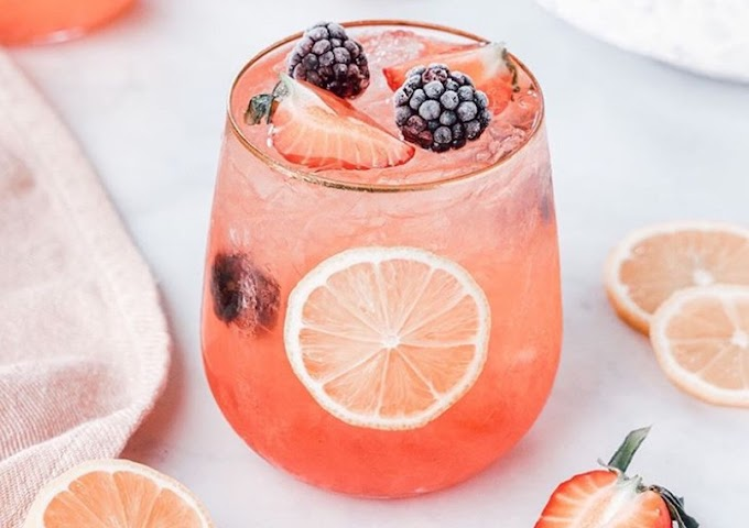 Lemony Berry Prosecco Cocktail