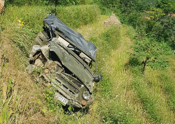Xe U oát chở đoàn khách Đà Nẵng lao xuống vực, 3 người chết