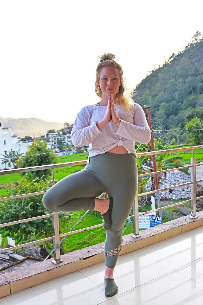 5 (lima) Pose Yoga untuk Atasi Sakit Punggung