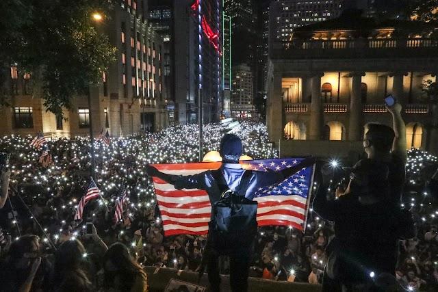 Yeni Soğuk Savaşın Kaotik Cephesi Hong Kong