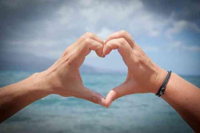 Hiç Modası Geçmeyen Şiirler: Aşk Şiirleri