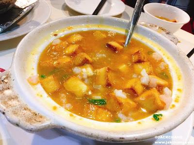 蟹黃豆腐煲NT$380