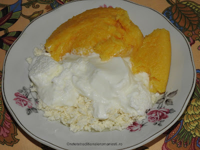 Mamaliga cu branza si iaurt retete traditionale romanesti,