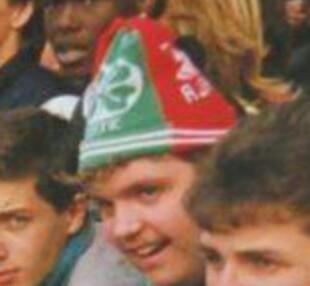 MUFC pics  80 s style half half ski hats 37cc33819af