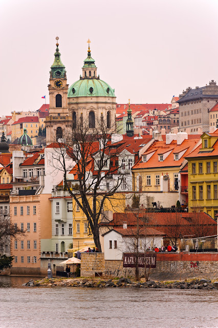 This post is in collaboration with DUNHILLTRAVEL DEALS a great site to find the best deals for all of your travels including the top hotels, CHEAP LAST MINUTE HOTELS and the plane tickets. You won't need to visit any other website when you are planning your travels. So we thought about sharing with you the destinations for your Valentine's Day, maybe you want to surprise your other half with a trip to one of these destination and many more if you like.
