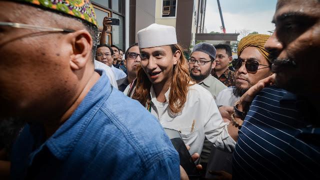 Habib Bahar Punya Sakit Maag, Pengacara Minta Penahanan Ditangguhkan