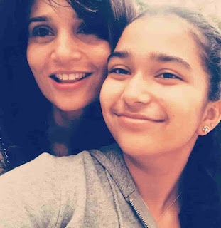 Aiyana Paes With Her Mother