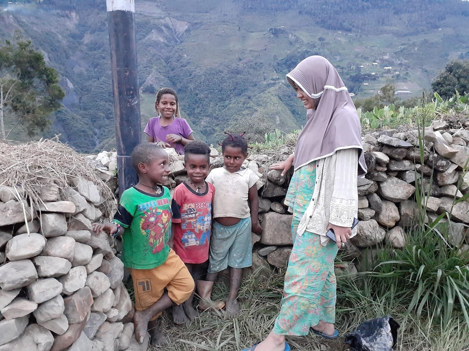 Puncak Jaya Papua, Kepingan Surga di Ujung Indonesia   Eva Riyanty ...