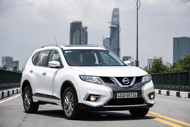 Roll 1 billion to choose the Nissan X-Trail 2019 or Hyundai Tucson 2019?