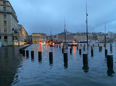 Μασσαλία: Μάχη με τις λάσπες μετά τις πλημμύρες