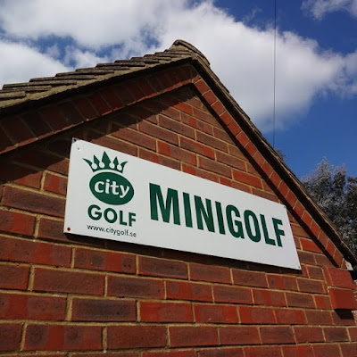 Minigolf in Stoke Park, Guildford, May 2016
