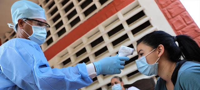 Un control de temperatura por el coronavirus en un albergue en Venezuela OCHA/Gema Cortes