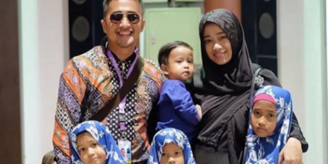 Beginilah Momen Mengharukan Saat Irfan Hakim Berangkat Menunaikan Umroh Tanpa Keluarga