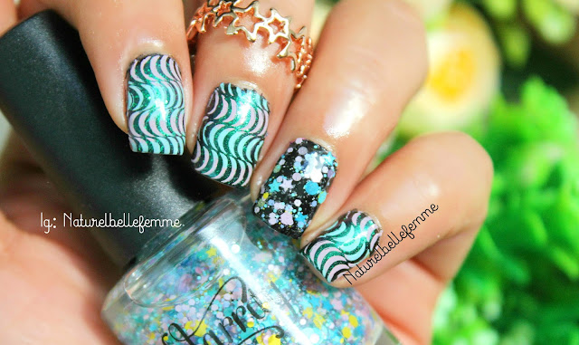 abstract wavy manicure