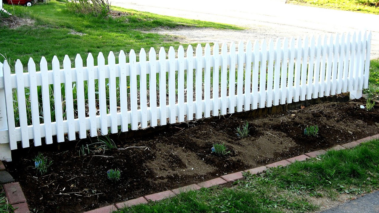 Charmant Short Fences For Gardens