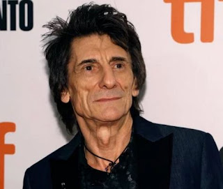 Ronnie Wood,Rolling stones Guitarist says he's been diagnosed with Lung Cancer