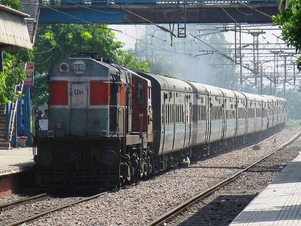 रेल मंत्रालय का अहम फैसला : 12 सिंतबर को पटना-हावड़ा जनशताब्दी ट्रेन का होगा परिचालन, देखें रूट