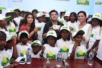 Shriya Saran and Meenakshi Dixit Pos at Quaker Feed A Child Campaign  0042.jpg