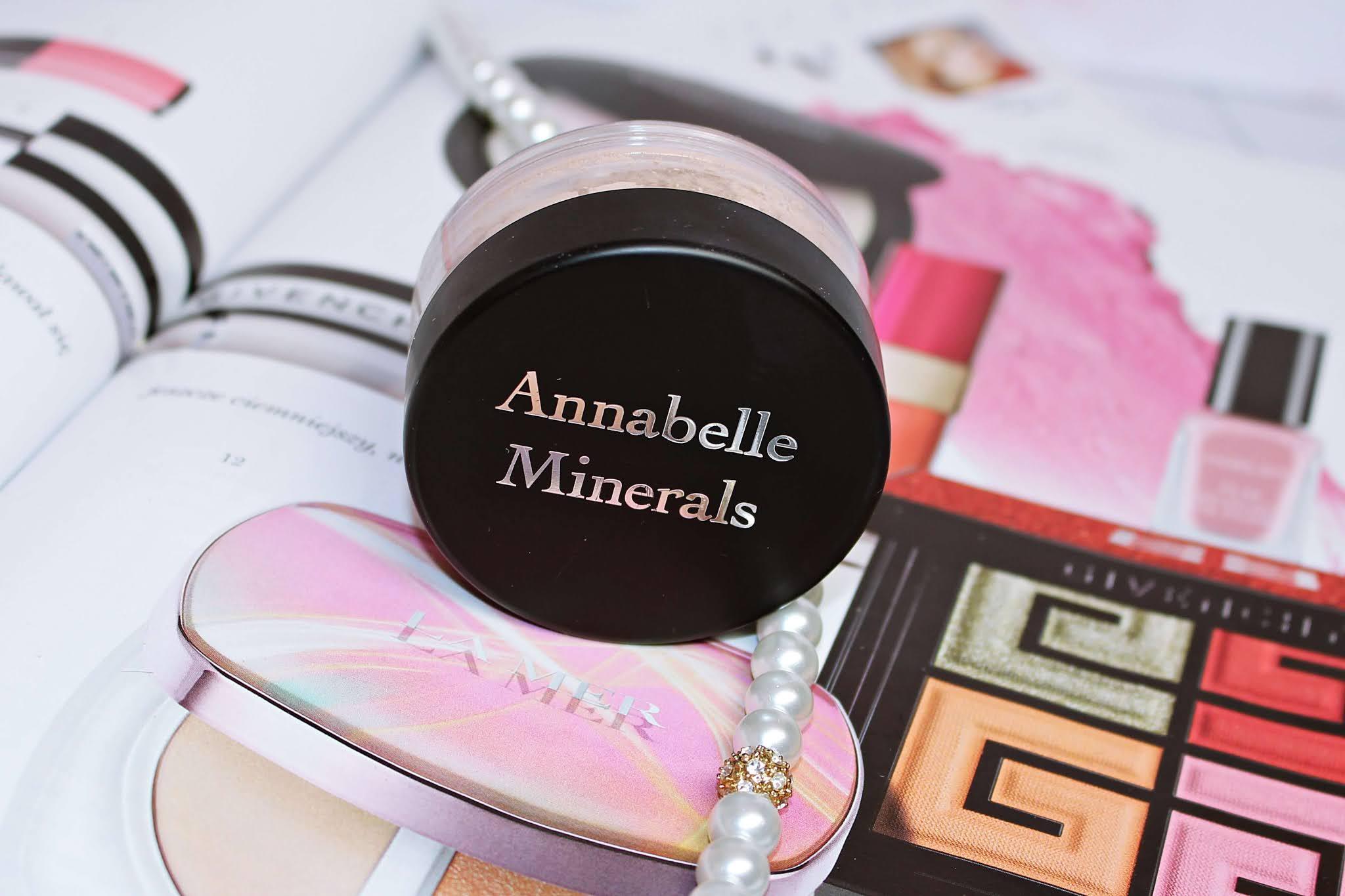 Rozświetlający puder mineralny Pretty Glow Annabelle Minerals